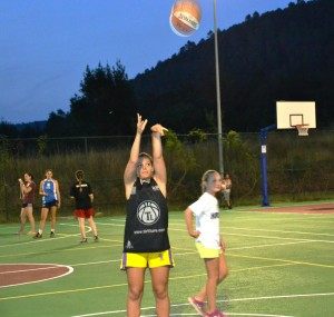One of our Spanish campers at the free throw line